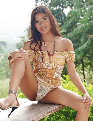 Asian Girls Upskirt Pics