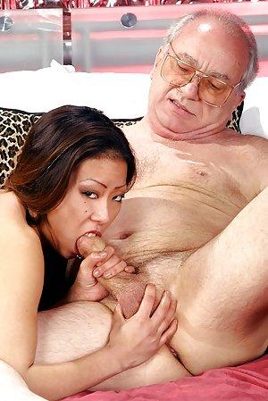 Asian Girls Blowjob Pics