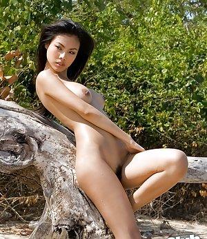 Flexy Asian Girls Pics