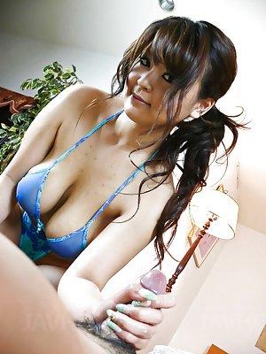 Asian Girls TitJobs Pics