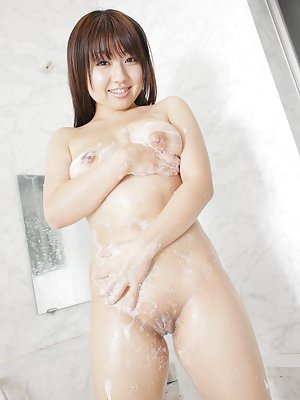Asian Girls in Shower Pics