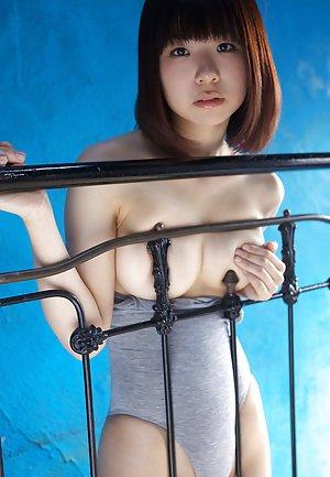 Asian Girls Swimsuit Pics